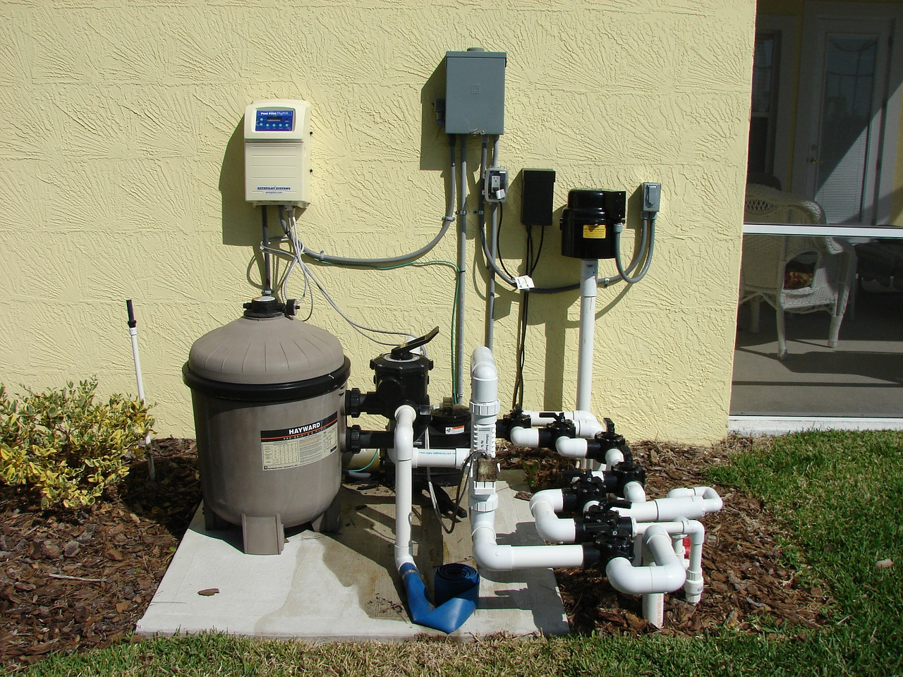 Heat the pool with a heat pump - this is how a pool heat pump works